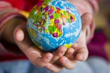 hand, world, ball-644145.jpg